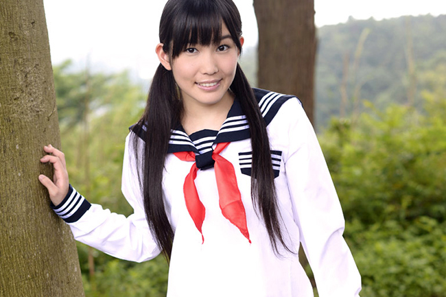 AKB48の指原莉乃そっくりでコンパクトギャル